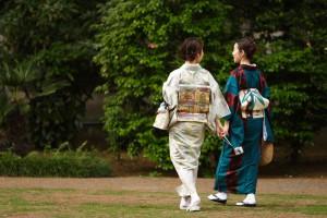 Women wearing kimonos in Tokyo, Japan   Flickr: Masahiro Hayata, 2007   CC BY-SA 2.0